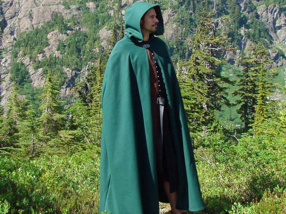 Durable Mens and Womens Renaissance Heavy Wool Winter Cloak!