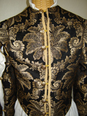 M'Lord William's Fine Doublet in Champagne Fleur --Front Detail